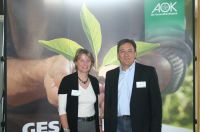 Sandra Böhm, Diplom-Sportwissenschaftlerin bei der AOK Bayern und Daniel Spohn, Leiter des Betrieblichen Gesundheitsmanagements be
