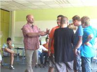 Vertrauenslehrer Bruno Beer freut sich über das gelungene Inklusions-Projekt.