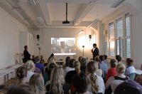 """Bis auf den letzten Platz war das Loft am MHMK-Standort Berlin gefüllt, als Prof. Dr. Gernot Wolfram zum """"Kulturstudio"""" einlud."""