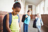 Mutistische Kinder finden oft nur schwer Freunde in der Schule
