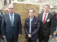 Strohgedämmte Holzhäuser könnten Deutschlands Klimaschutzziele retten!