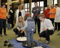 Bayerische Gesundheitsministerin beim 1. Gesundheits- und Notfalltag für Kinder im Klinikum Ingolstadt