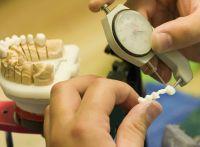 Best-Price-Dent: Hohe Einsparmöglichkeiten mit günstigem deutschen Zahnersatz