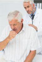 Keuchhusten bei Erwachsenen ist heute keine Seltenheit: Fehlender Impfschutz ist der Auslöser