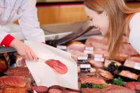 Praktische Serviceverpackungen und Einweglösungen im Fleischereibedarf
