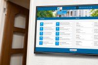 Digitaler Hausaushang zeigt Serviceinformationen für Mieter auf Displays im Treppenhaus an
