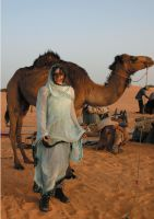 Die weiße Beduinin & Karawane der Astronomie – neues Buch zeigt das Leben einer deutschen Astronomin in Afrika