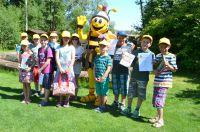 Tolbienchen begrüßt Schüler auf der Landesgartenschau Zülpich 2014.
