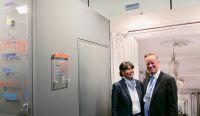 Sabine Möller, Geschäftsführung CPH Hotels und Karsten Jeß, Hauptgeschäftsführer Servitex GmbH.
