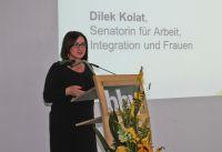 Dilek Kolat, die Berliner Senatorin für Arbeit, Integration und Frauen beim bbw Zuwanderungstag vor 150 Gästen