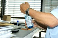 Bei geschlossenen Jalousien bleibt die Hitze im Büro auch in den Mittagsstunden erträglich.