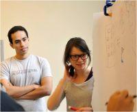 Berufstätige aus den Bereichen Wissenschaft, Technik und Innovation im Stanford-Ignite-Polytechnique-Programm