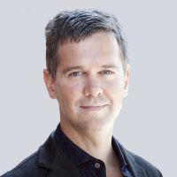 Prof. Dr. phil. Stephan Weichert lehrt seit 2008 als Professor für Journalistik und Kommunikationswissenschaft