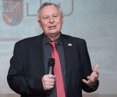 Prof. Dr. André Reuter, Präsident der DTMD University
