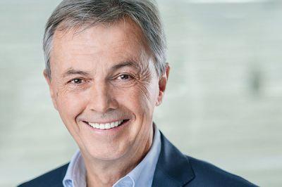 Dr. Ekkehart Franz war 30 Jahre lang Inhaber und Leiter einer Zahnklinik. Er ist zudem Heilpraktiker und Fasten-Arzt.