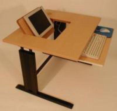 Ergnonomisch optimiertes Computermöbel von ADION