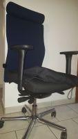 Behindertengerechter Bürodrehtsuhl bei Inkontinenz