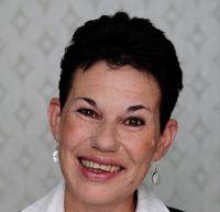 Frau Heike Engel-Wollenberg