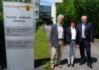 Thomas Höferth (Leiter der ADV), Karin Bieber-Machner (Rektorin der GDS2)  und Prof. Dr. Alexander Rossmann (Leiter des HHZ)