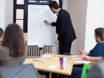 Praxisnahe Seminare