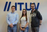 Von links: Fabian Pätzmann, Morena Ernst und Philipp Böll haben im Oktober ihr Informatikstudium bei der IT.UV begonnen