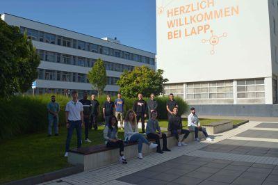 Die neuen LAPP Auszubildenden und Dual Studierenden - hier Gruppe 1