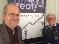 """""""Beziehung ist alles."""" Wolfgang Neumann (rechts) im Gespräch mit Matthias Stolla."""