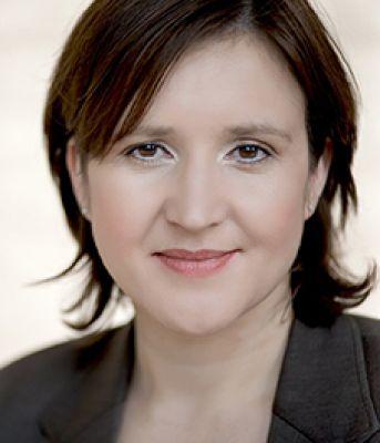 Schreibexpertin Gaby Feile schließt mit dem Online-Schreibkurs für Nicht-Texter eine wichtige (Aus-)Bildungslücke