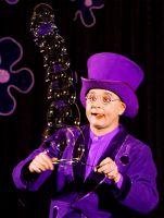 Showprogramm mit Seifenblasenkunst zeigte Kleinkünstler Blub