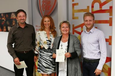 V.l.n.r.: Patrick Heid, Bettina Sabath, Familienministerin Irene Alt und Christian Rüffel