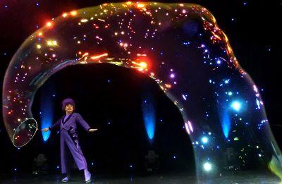 Für Staunen sorgte Unterhaltungskünstler Blub mit seiner sensationellen Seifenblasenshow.