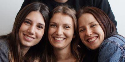 Searchtalent is female: mit weiblichen Stellenanzeigen gegen Benachteiligung von Frauen in der Arbeitswelt