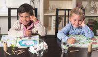 Altersgerechte Mal- und Rätselvorlagen aus der KIDS-Collection von Mank sorgen für entspannte Restaurantbesuche.