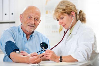 Bei der Vorsorgeuntersuchung sollte auch der Impfstatutus überprüft werden. Foto: wedo/panthermedia.net/alexraths
