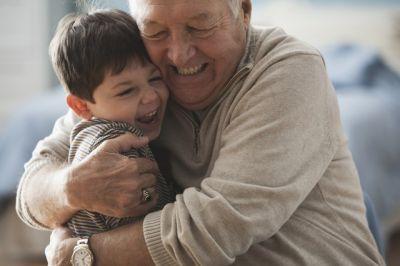 Darlehen für Senioren und Rentner von 60 (Foto: gettyimages, liz. durch Allianz)
