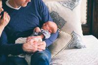 So finden Eltern die passende Krankenversicherung für ihr Baby