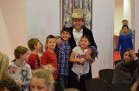 """Michael Mußnig begeisterte Hunderte Kinder bei Lesung aus: """"Die Abenteuer von Rob.e.r.T- dem gestrickten Roboter"""""""