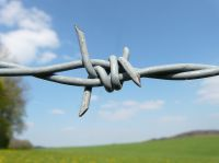 Lizenz-Public Domain CC0 - http://pixabay.com/de - barbed-wire-6904