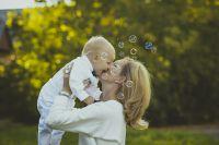 Für die Tochter wird die Nutzung der digitalen Welt selbstverständlicher sein als für die Mutter...