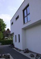 Klare Linien prägen das moderne Erscheinungsbild des Hommage 165. (Foto: HANLO Haus)