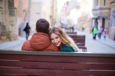 Schweizer Versicherungen bieten häufig Rabatte für Paare.