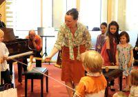 """Flüge, Piano & Co. stellen die mini.Musiker in """"Klazwei, Kladrei, KLavier"""" auf die Probe"""