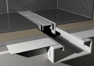 Schmaler Abfluss mit besonderem Design - Foto. ESS