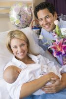 Nur wenn die Eltern geimpft sind ist der Nachwuchs vor Keuchhusten geschützt. Foto: wedo/panthermedia.net/Monkeybusiness Images