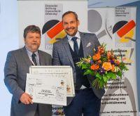 FoschungsFörderpreis:Preisträger, PD Dr. Dr. Björn Zörner (re.) PD Dr. Rainer Abel, DSQ (li)©Deutsche Stiftung Querschnittlähmung