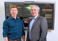 Dr. Jürgen Bernard (TU Darmstadt) und Prof. Jörn Kohlhammer (Fraunhofer IGD) forschen zusammen an visuellen Analysetechniken.