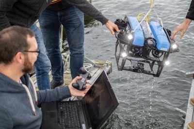 Mit Unterwasserfahrzeugen das Mikroplastik in Meeren analysieren - daran arbeitet das interdisziplinäre Fraunhofer-Forschungsteam