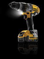 Dank des neuen 4,0 Ah-Akkus verfügen die XR-Maschinen von DeWalt über eine höhere Kapazität und damit eine längere Laufzeit.