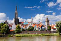 Die Donaustadt Ulm ist eine knappe Woche lang Gastgeber der bundesweiten Wanderausstellung BAUnatour - © arsdigital - Fotolia.com