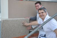 Caparol-Hanfdämmung:Die Malermeister Michael und Heribert Mayr haben es mit Erfolg getestet(c)Caparol GmbH